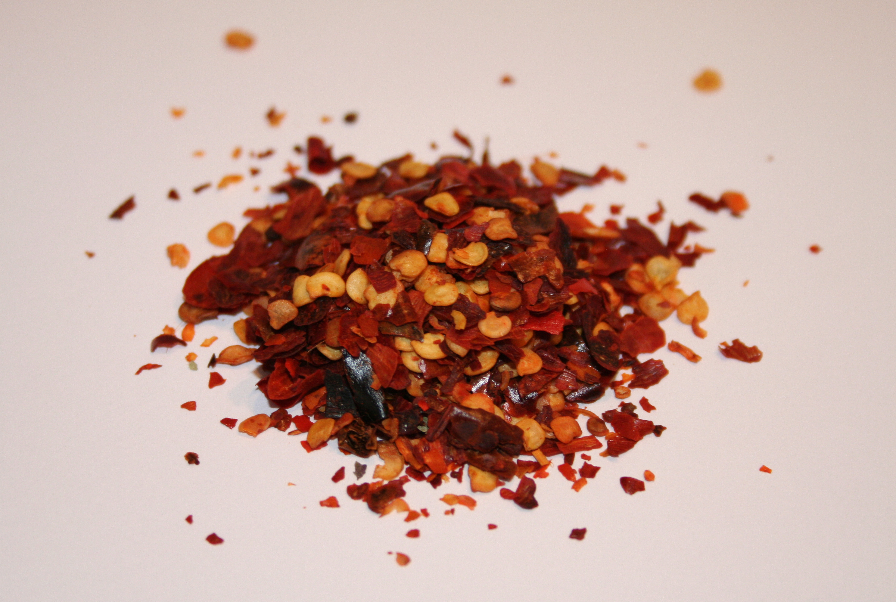 Spicy foods may boost metabolism what the health magazine for Chili flakes