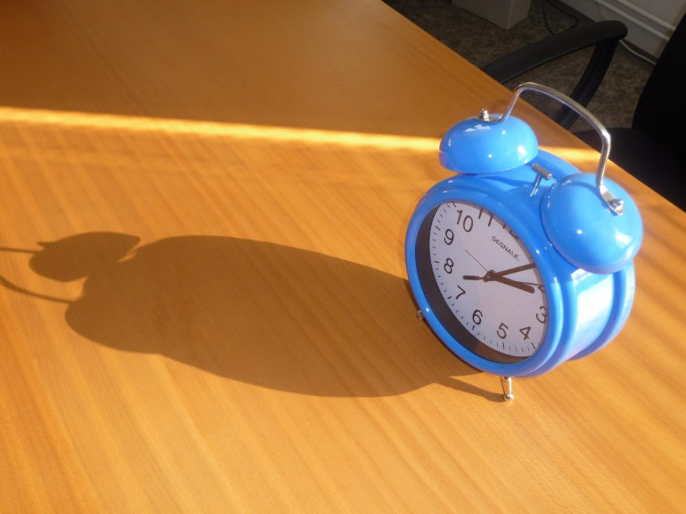 Blue_alarm_clock_(1)